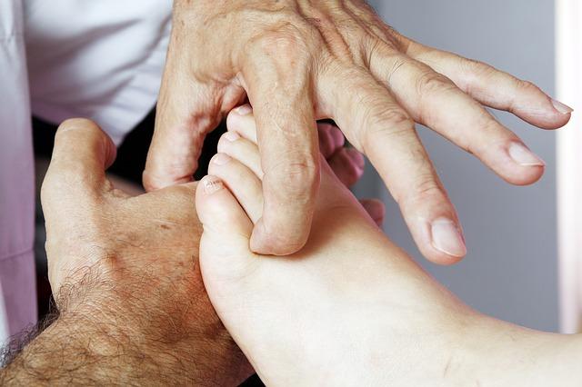 Refleksna masaža stopal – spoznajte in preizkusite jo tudi vi
