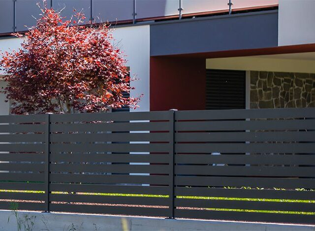 Kaj upoštevati pri izbiri ograje?