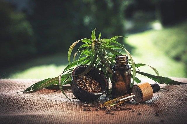 CBD olje kot naravna alternativa farmacevtskim zdravilom